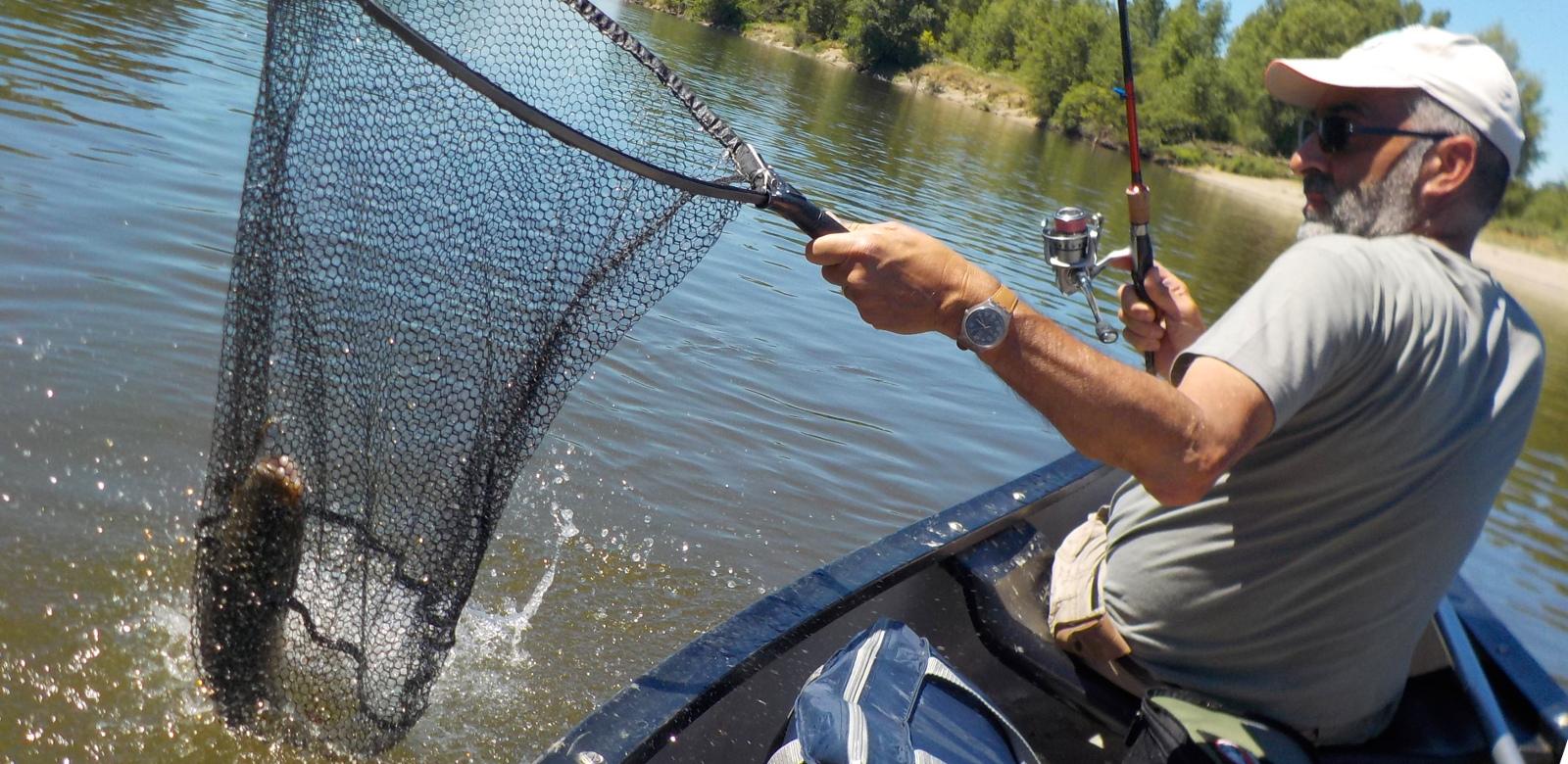 Pêche aux leurres en canoë