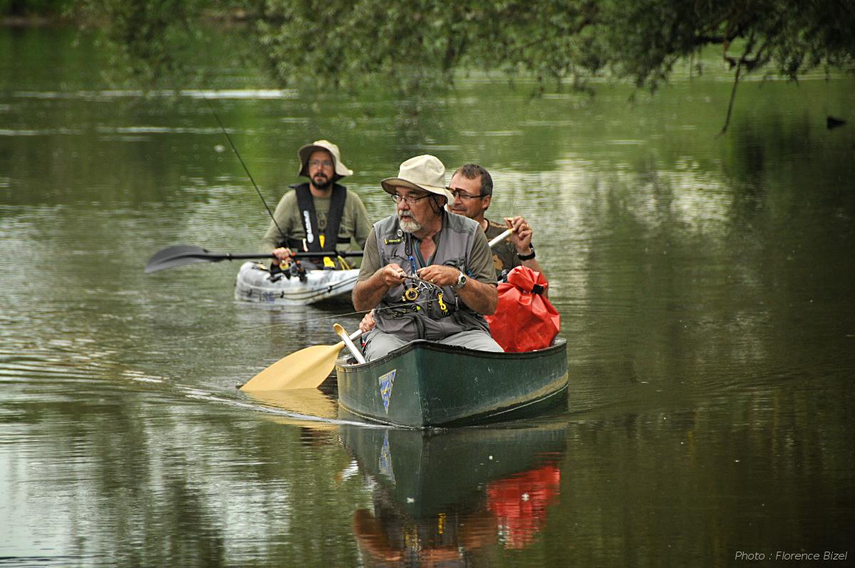 Pêche en canoë sur l'Allier