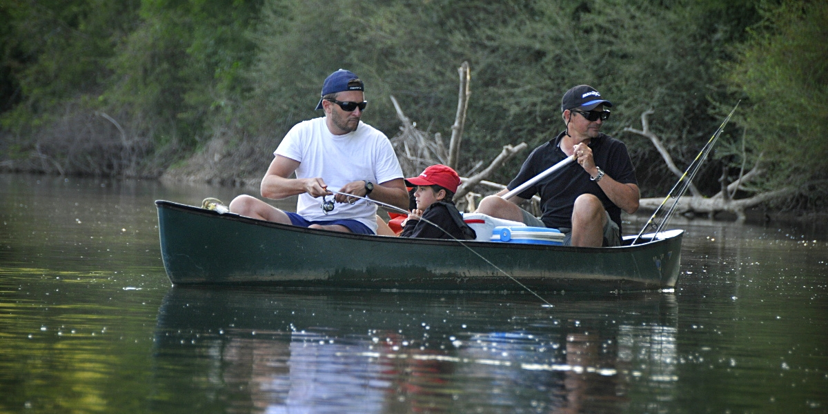 Stages de pêche canoë