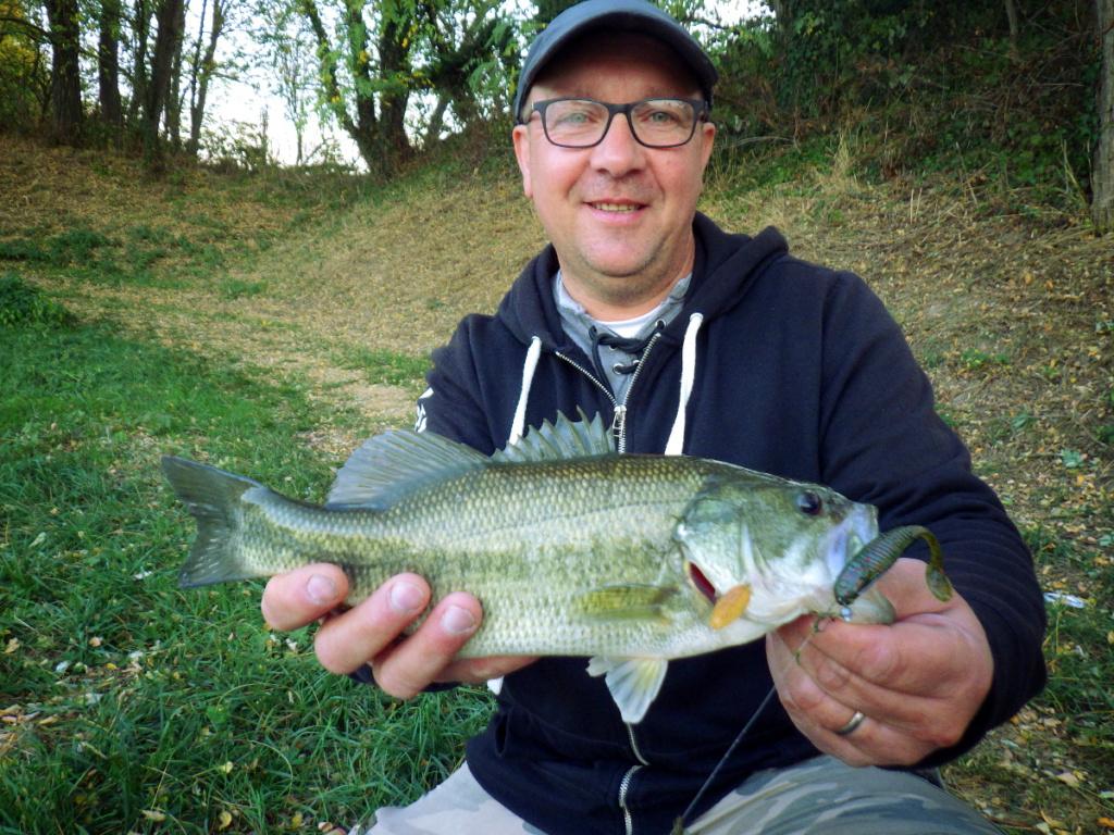 Pêche aux leurres en canal
