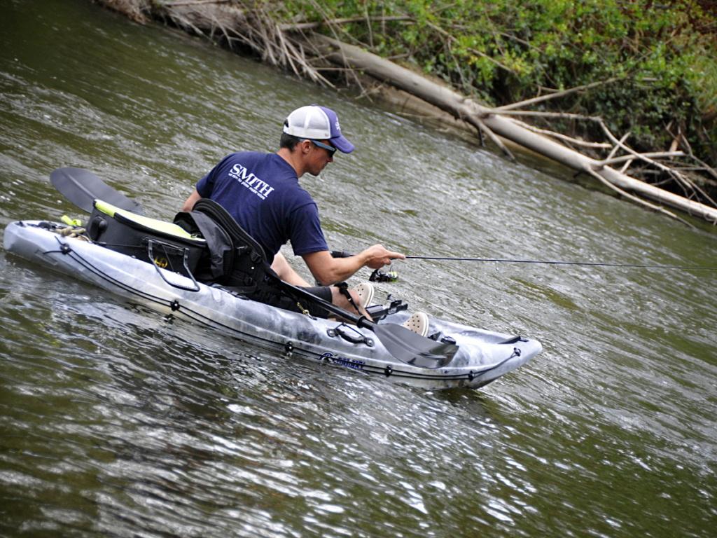 Pêche en kayak en rivière