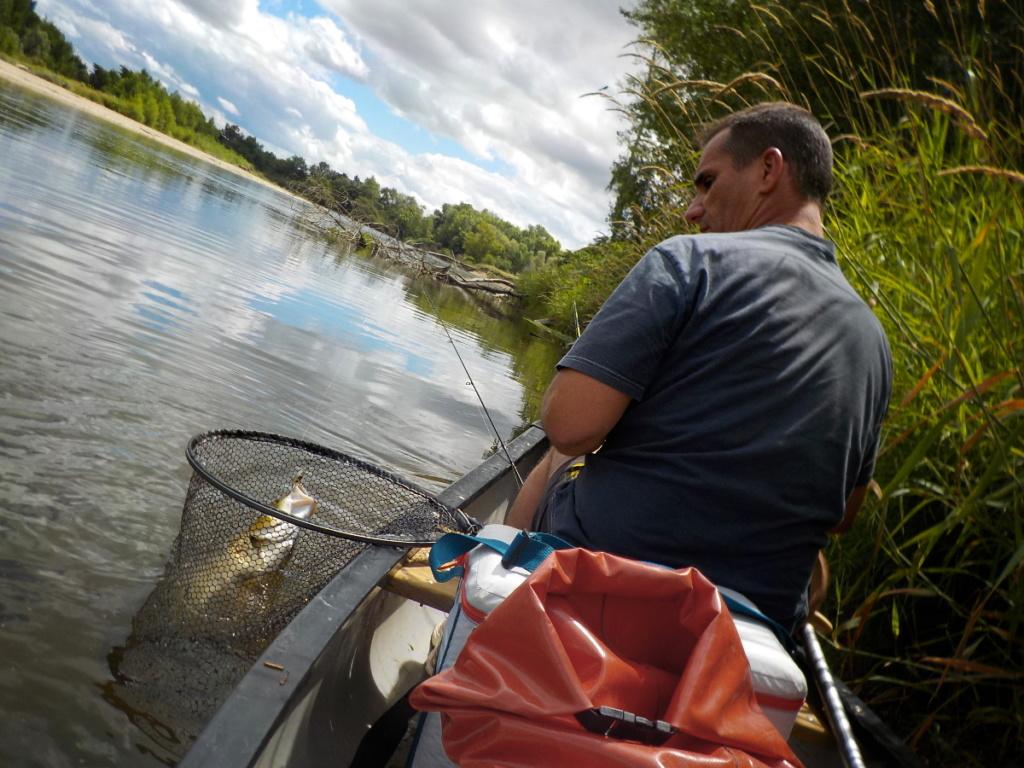 Stage de pêche en Auvergne en canoë
